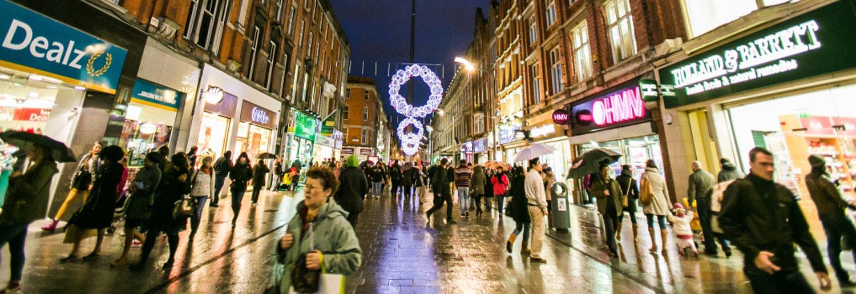 Henry Street Christmas Lights Switch On